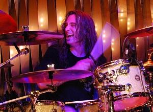 Aanslagen 9/11 waren een false flag. Oud-drummer van Pearl Jam onthult waarom