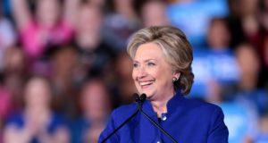 Hillary Clinton moet worden onderzocht, ze moet worden aangeklaagd en ze moet de gevangenis in. Talkshowhost haalt keihard uit
