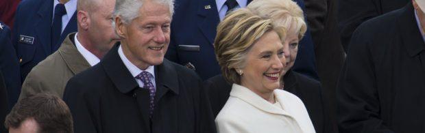 NXIVM-klokkenluider doet onthullingen over kindersmokkel, satanisme en Clintons. Beerput rond bizarre cult gaat steeds verder open