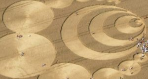 Zijn graancirkels boodschappen uit een verre toekomst? Natuurkundige komt tot opvallende conclusies