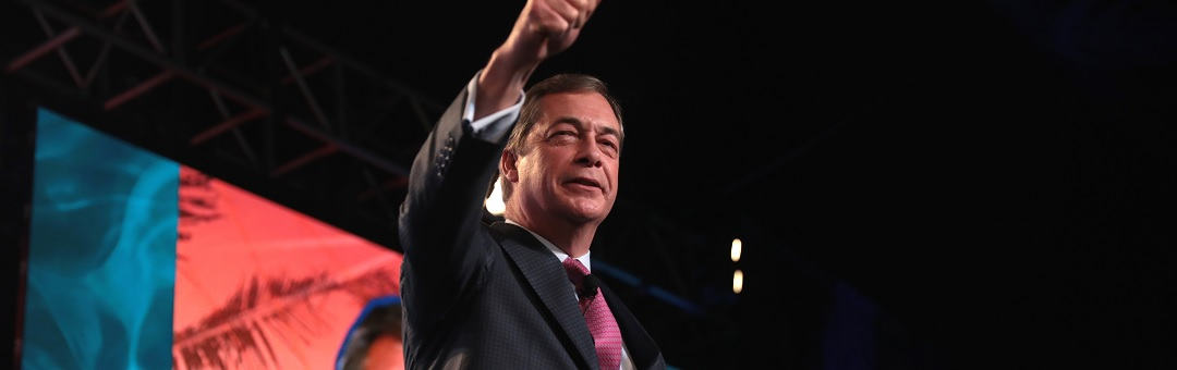 Dit is het begin van een nieuwe politieke beweging. Farage dreigt gevestigde orde weg te vagen na monsteroverwinning van zijn Brexit Party