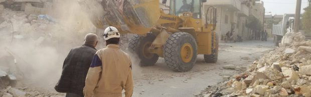 Witte Helmen geven toe dat ze gifgasaanvallen in scène hebben gezet in Syrië. Nieuwe studie legt smerige leugens bloot