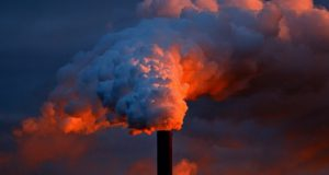 Het verzinnen en innen van onzinnige energie- en klimaatbelastingen is gewoon dikke business voor de overheid. Kamerlid deelt sneer uit