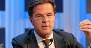 Drie kabinetten Rutte zijn negen jaar 'f*ck de burger en lang leve het grootbedrijf' geweest. Hoogleraar haalt fel uit