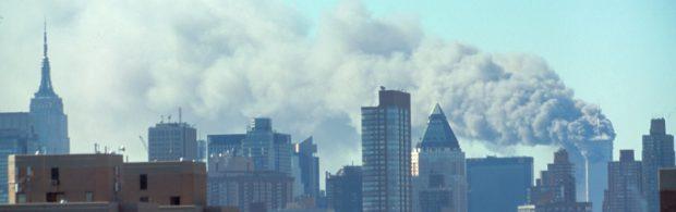 Het is onmogelijk dat de Twin Towers door brandende kerosine zijn ingestort. Bekijk dit gesprek over de ontelbare ongerijmdheden rond 9/11