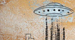 Kijken: Indiase nieuwszender suggereert dat vermist legervliegtuig is meegenomen door aliens