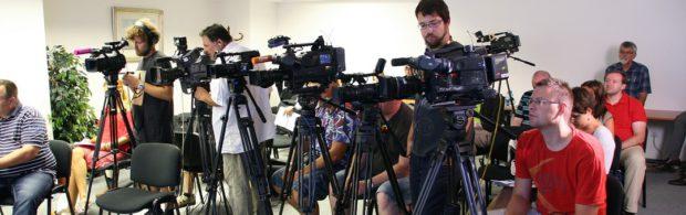 Tientallen Nederlandse journalisten werken voor de AIVD. Deskundige komt na 25 jaar onderzoek met grote onthullingen