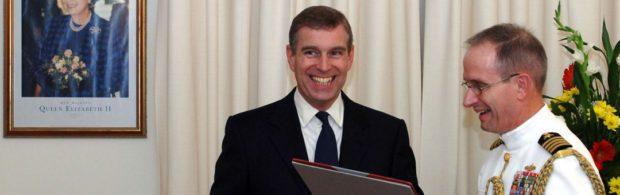 Britse prins Andrew gespot in horrorhuis Epstein. Lees hier alles over zijn banden met de beruchte pedofiel