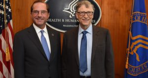 Bill Gates wil niet zeggen waarom hij aan boord van de privéjet van pedofiel Jeffrey Epstein is geweest. Wat heeft hij te verbergen?