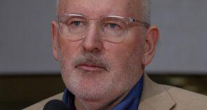 3 klimaatwetenschappers vegen in deze video de vloer aan met de kersverse 'klimaatpaus' Frans Timmermans
