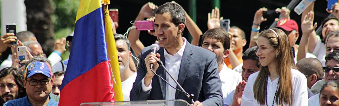 Juan Guaido als CIA-project en vriend van drugsbaronnen. Zelfbenoemde interim-president Venezuela valt door de mand door deze onthullende foto's