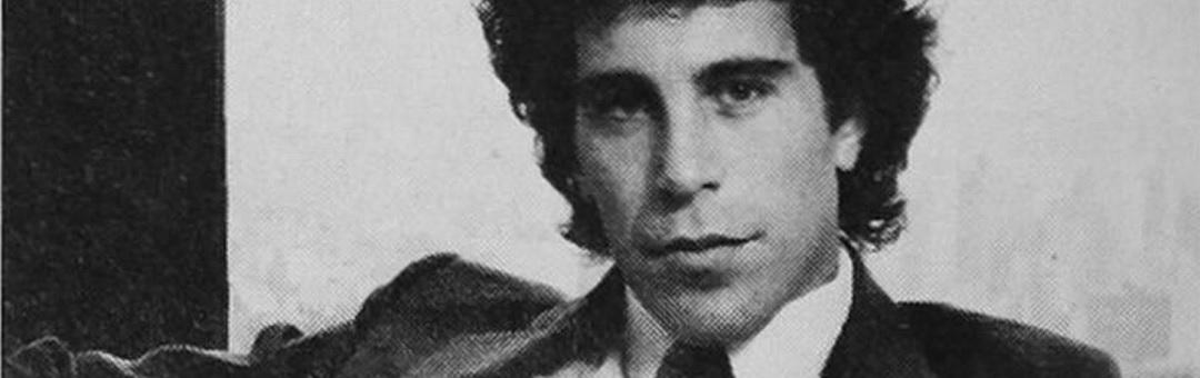Belangrijke schakel in pedonetwerk van Epstein spoorloos verdwenen. Waar is zijn meisjesleverancier gebleven?