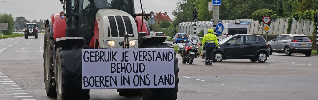Nederland op slot: Rutte-regime zet leger in tegen boeren. Schandalig. Zo ziet het debuut van de dictatuur eruit