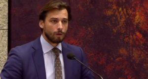 Minister Kajsa Ollongren is de sluipmoordenaar van de democratie. Wat is ze nu weer van plan?