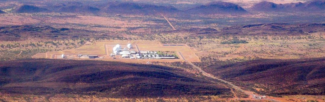 Honderden mensen willen Australisch Area 51 gaan bestormen. Worden hier ook aliens bewaard?