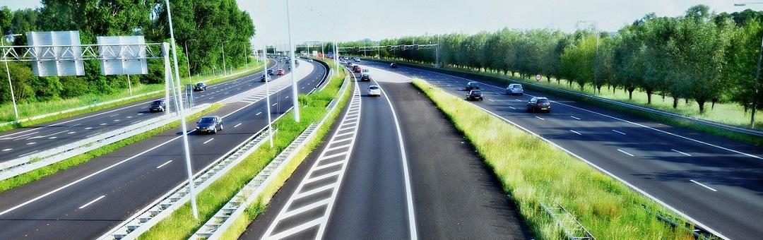 We zijn in Nederland knettergek. Oud-VVD-Kamerlid veegt vloer aan met 'idioot voorstel' om snelheid te verlagen op de snelweg