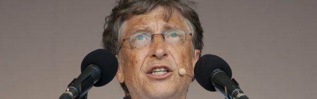 Zien: Bill Gates aan de tand gevoeld over bijwerkingen coronavaccin