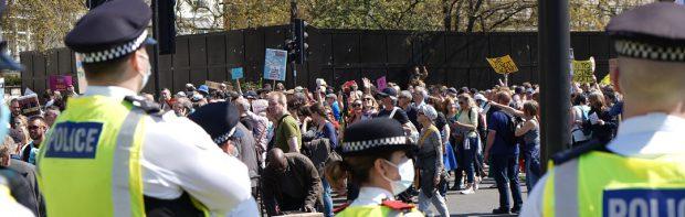 """Ohrenbetäubendes Schweigen in den Medien: """"1 Million Menschen"""" marschieren bei Freiheitsmarsch in London"""