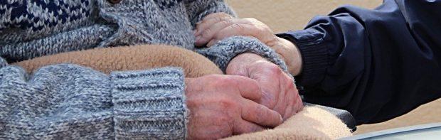 Mitarbeiter eines Pflegeheims gesteht: Nach der Covid-Impfung starben 15 Bewohner