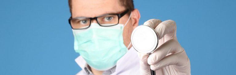 Holland: Allgemeinmediziner versendete Mails und warne Eltern wegen Covid-19-Impfung. Behörden reagierten