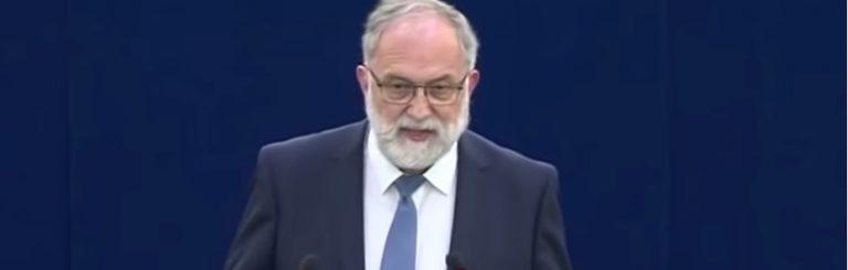 "Dringender Appell des Europaabgeordneten: ""Stoppen Sie dieses Experiment an Menschen""."