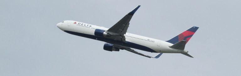 Geimpfter Pilot stirbt während des Fluges, Flugzeug muss notlanden